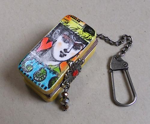 domino key holder 1